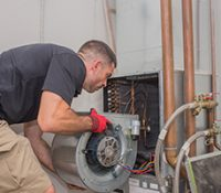 Why Hire a Qualified Commercial HVAC Tech?